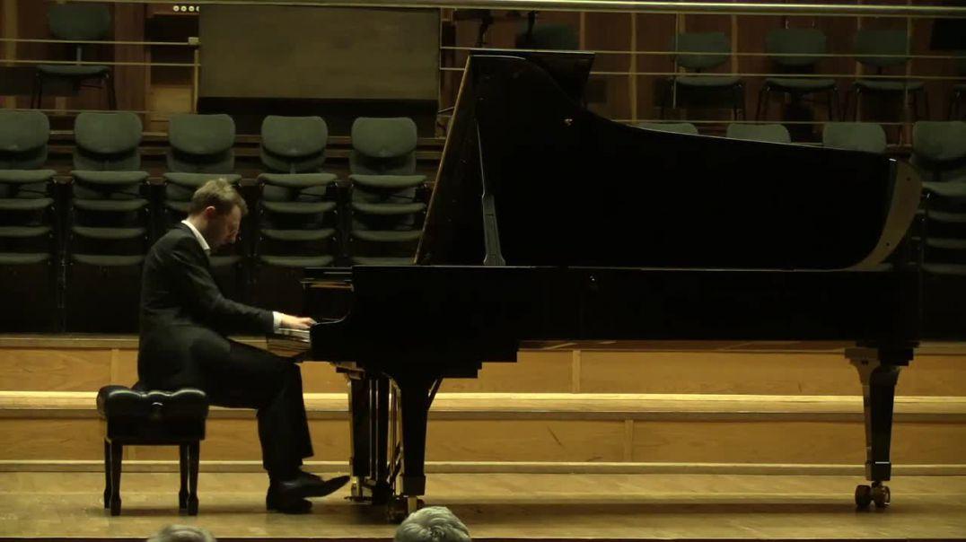 [Piano] [Artist] [6] Tobias HAUNHORST